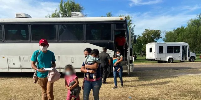 Migrants arrive to the COVID-19 quarantine camp and testing center at Anzalduas Park in Mission, Texas. (Ashley Soriano/Fox News)