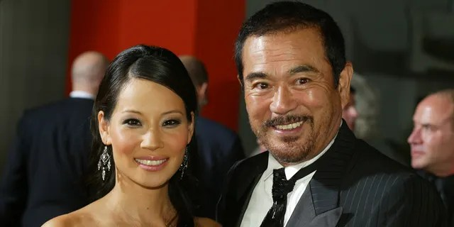 Sonny Chiba (right) with his 'Kill Bill: Volume I' co-star Lucy Liu.