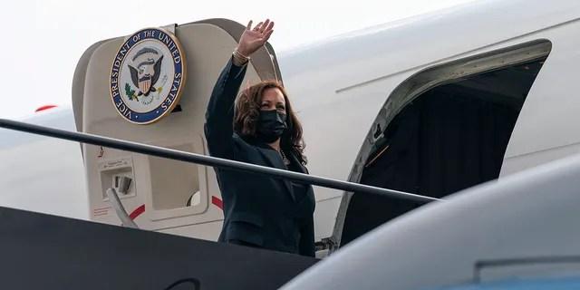 Vice President Kamala Harris boards Air Force Two in Newark, N.J., Friday, Oct. 8, 2021, to return to Washington.