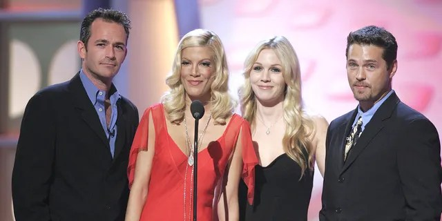 'Beverly Hills, 90120' alums (left to right) Luke Perry, Tori Spelling, Jennie Garth and Jason Priestley.