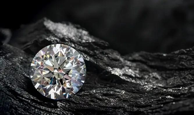 Pánico de diamantes: una aldea en Sudáfrica se inundó de buscadores de diamantes del Canal 7