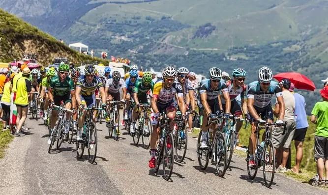 Un gran accidente de cadena en el Tour de Francia-Canal 7