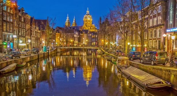 アムステルダム 人気 話題