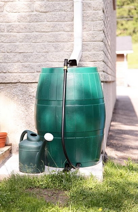 Rain Gutter Water Barrel