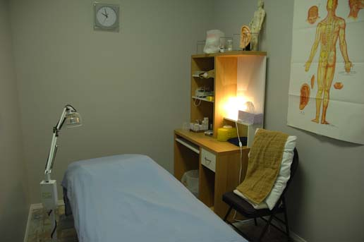 Calgary Anderson Acupuncture Clinic Treatment Room