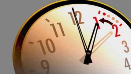 الرجوع-إلى-الساعة-القانونية-للمملكة-