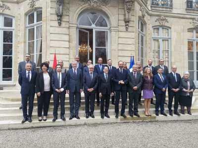 رئيس الحكومة: علاقتنا مع فرنسا يطبعها الصداقة والتعاون والاحترام المتبادل