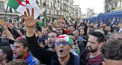 استمرار المظاهرات الطلابية في الجزائر