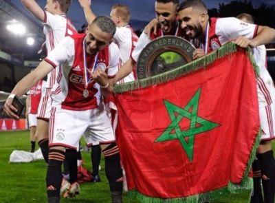 لاعبون دوليون مغاربة