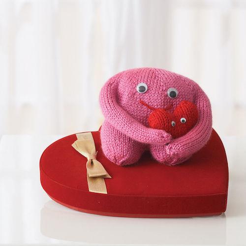 Bernat Monster For Your Love valentine free knitting patterns
