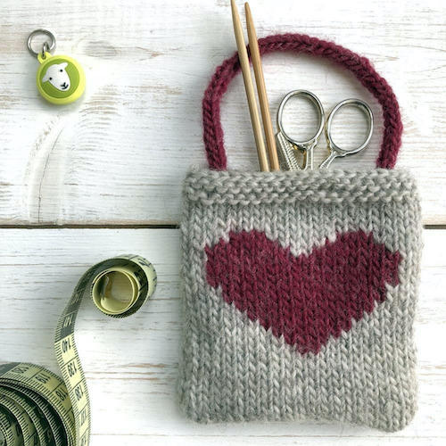 Intarsia Heart Gift Bag valentines day free knitting pattern