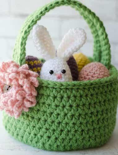 #1 Crochet Easter Basket Pattern