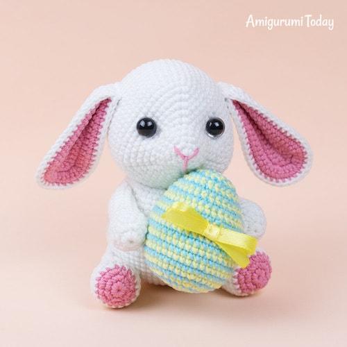 #7 Amigurumi Bunny With Easter Egg
