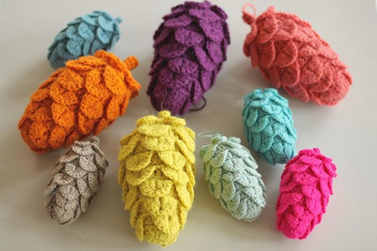 Pattern: Crochet Pine Cones from YarnFreak