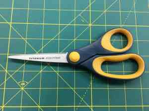 Image of titanium non-stick scissors.