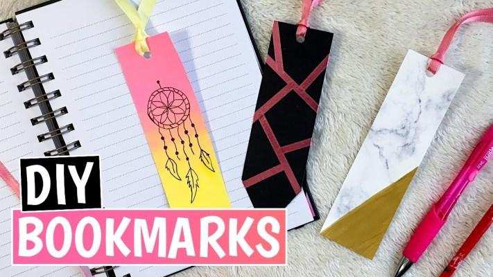 बुक के पेज को मार्क करने के लिए एक बुकमार्क कैसे बनाएँ