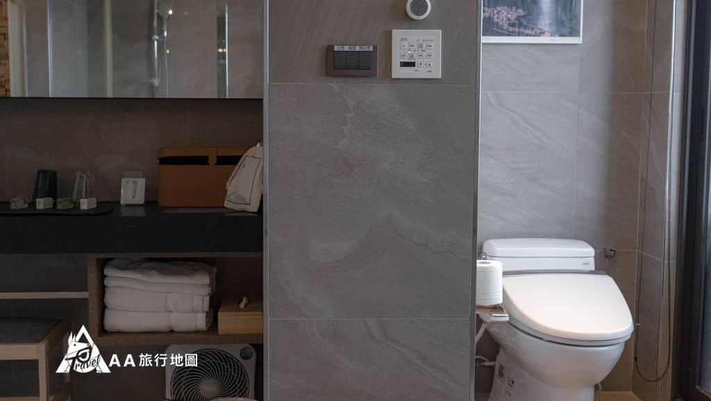 你會一直想要住在這廁所和化妝台