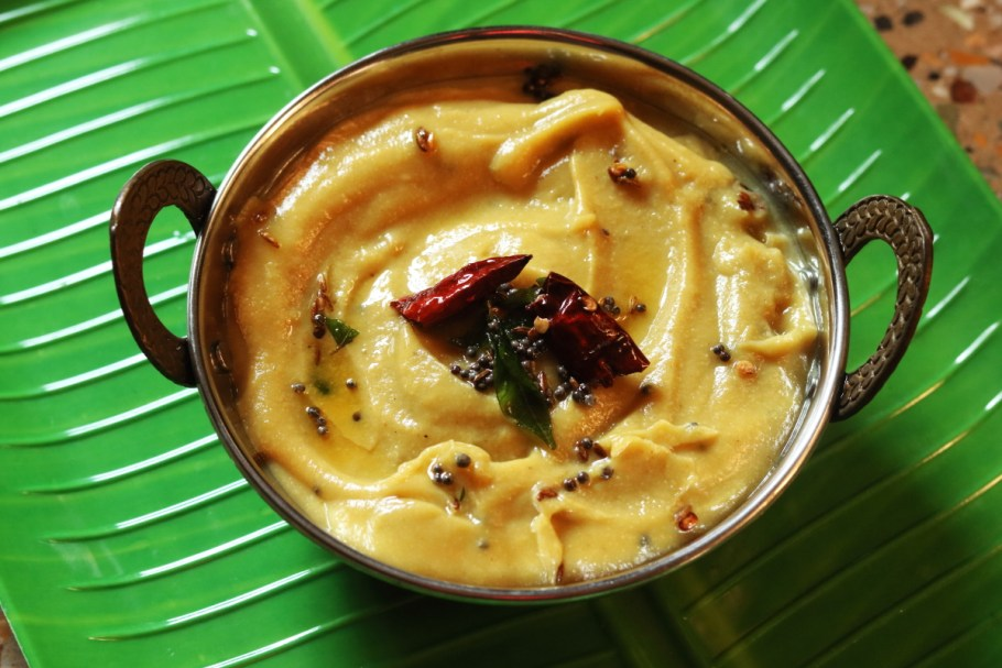 Bombay Chutney is made with Besan or Gram Flour. It is usually served with Idlis