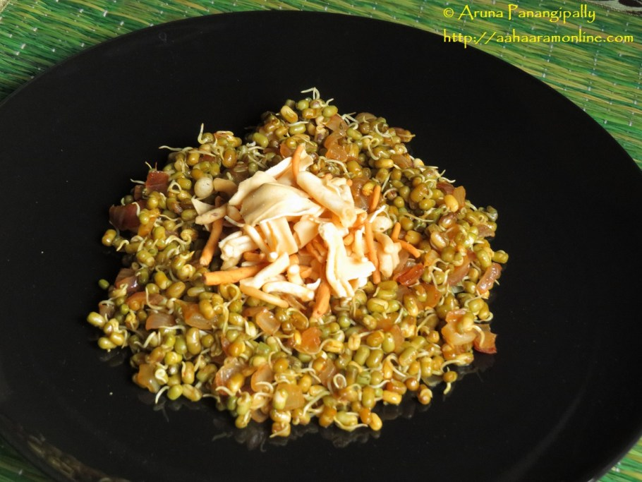 Moong Sprouts with Farsan