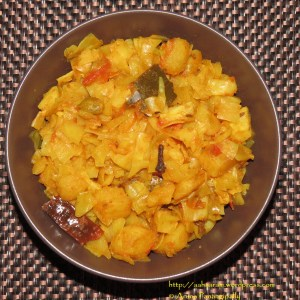 Bandhakopir Torkari or Bengali Cabbage, Peas, and Potato Curry