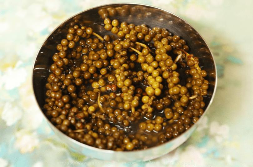 Green Peppercorn Pickle in Lemon Juice | Kuru Milagu Urugai | Pachai Milagu Urugai