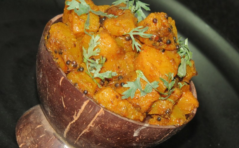 Khatti Meethi Teekhi Kaddu ki Sabzi   Sweet, Tangy and Spicy Red Pumpkin Curry