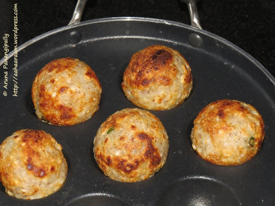 Low Oil Version of Sabudana Vada - Appe Paniyaram Pan