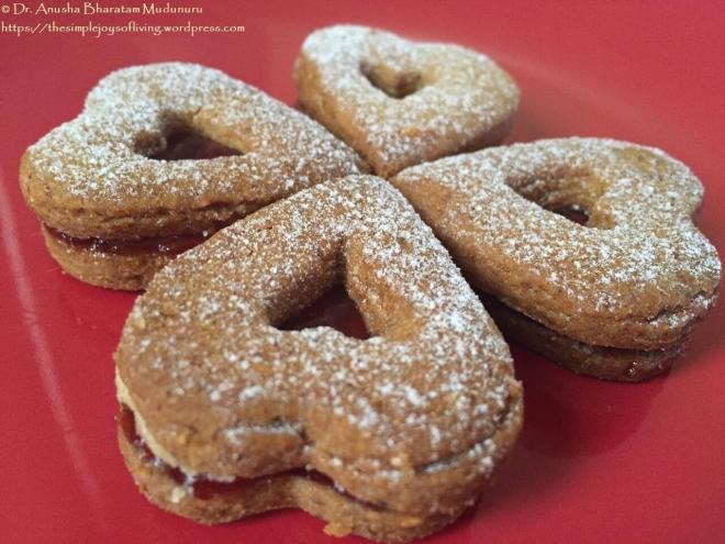 Lintzer Cookies