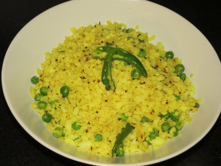 Matar Pohe or Peas Poha - Maharastrian Style
