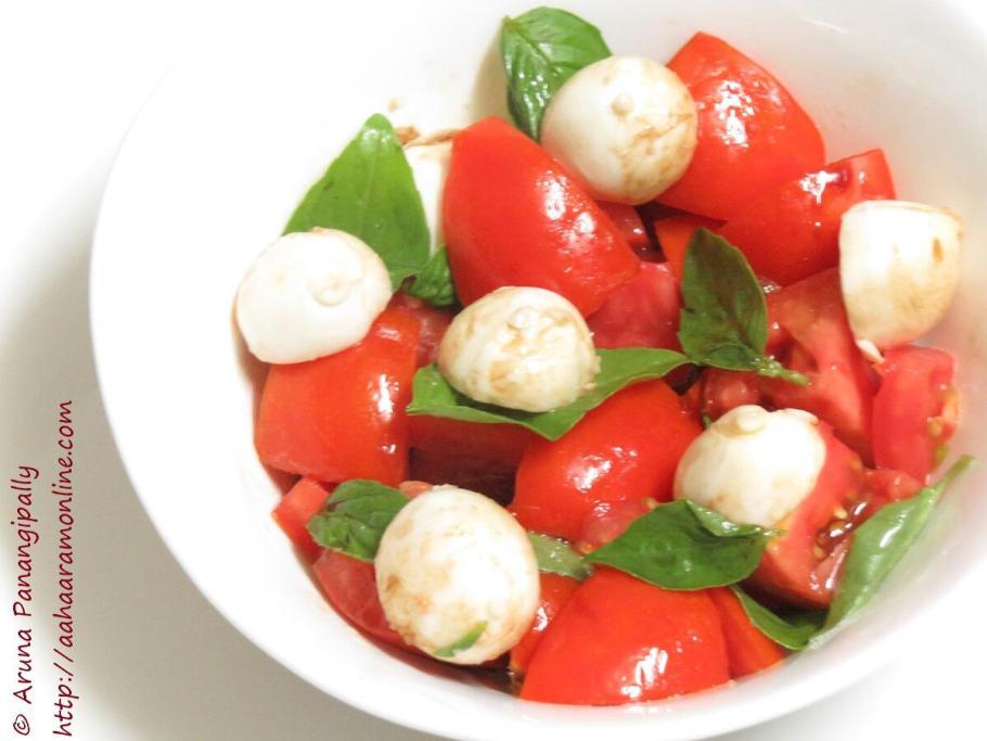 Tomato, Basil and Bocconcini Salad with Balsamic Vinegar Dressing