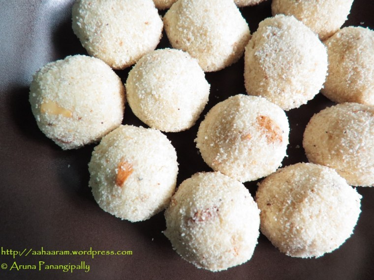 Rava Laddu without Milk or Coconut for Diwali