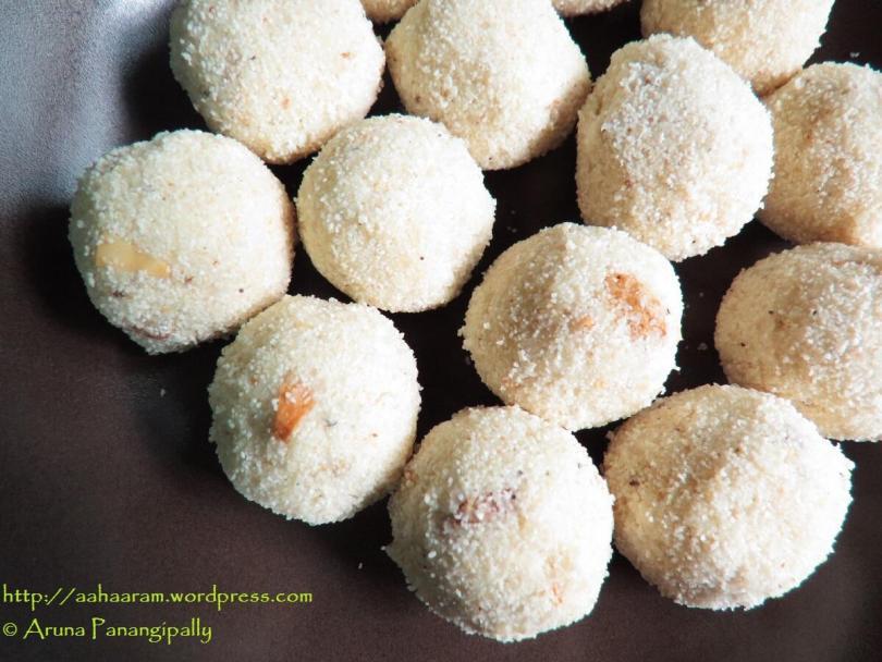 Rava Laddu without Milk or Coconut for Diwali