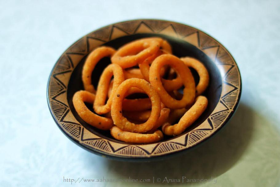 Ring Murukku | Chegodilu: Crispy rice flour rings