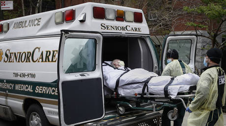 Approximately 5,000 people with Covid-19 have died in New York nursing homes. © AP Photo/John Minchillo