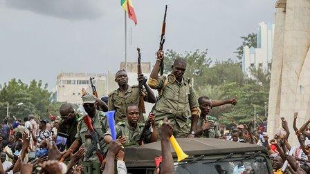 افریقی مسلم ملک مالی میں فوجی جتھے کی منتخب حکومت کے خلاف بغاوت