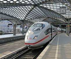 جرمنی میں دہشت گردی کی بڑی کارروائی ناکام، ریل گاڑی سے گھریلو ساختہ بم برآمد، پولیس کو نسل پرست گروہوں پر شبہ، تحقیقات جاری