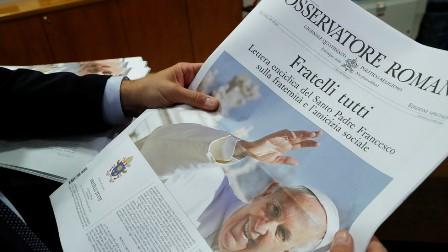 پادری فرانسس کا انسانیت کے نام کھلا خط: نیو لبرل عالمی نظام پر کڑی تنقید، انسانی اقدار پر زور