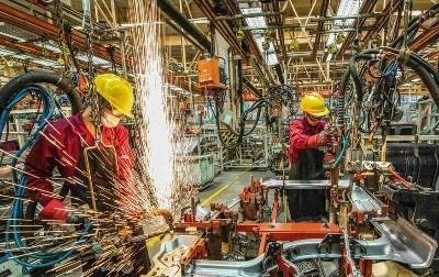 چینی معیشت کورونا کی تباہ کاریوں سے نکلنے لگی: 3 ماہ میں مجموعی ملکی پیداوار 18.3% کی حد کو چھو گئی، صنعتوں نے 1 ماہ میں 711 ارب یوعان کمائے