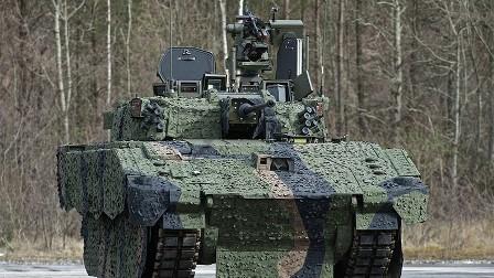 برطانوی فوج کا اربوں ڈالر سے تیار کردہ جدید ٹینک منصوبہ ناکام، ٹینک چلتے ہوئے گولہ داغنے سے قاصر: بدعنوانی پر سیاسی و سماجی حلقے سخت نالاں، ٹینک کو ناکارہ، شور کی دکان قرار دے دیا