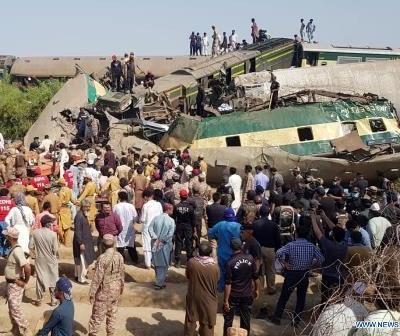 گھوٹکی میں ریلوے حادثہ: 51 جاں بحق، 100 سے زائد زخمی