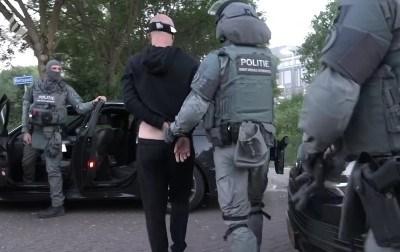 یورپی پولیس کی منشیات و غیر قانونی اسلحے کے مافیا کے خلاف بڑی کارروائی: 16 مغربی ممالک سے 800 مشتبہ افراد گرفتار، بڑی مقدار میں منشیات و اسلحہ ضبط