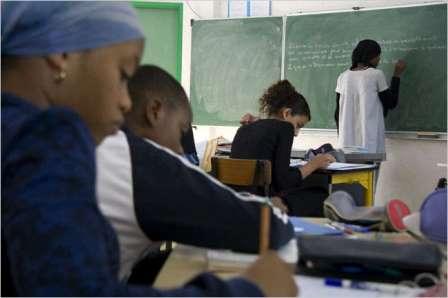 فرانسیسی کیتھولک اسکولوں میں 50 برسوں میں 2 لاکھ 16 ہزار بچوں کے ساتھ عملے (3200) کی جنسی زیادتی کا انکشاف