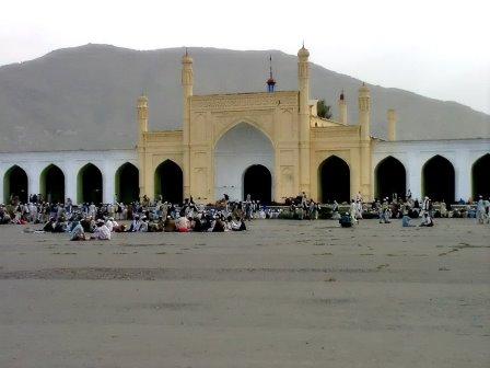 کابل: شہر کی تاریخی مسجد کے باہر دھماکہ، 2 جاں بحق، 3 زخمی، حملے میں ملوث ہونے کے شبہے میں 3 گرفتار، تحقیقات جاری