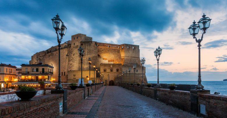 مدينة نابولي القلعة البيضاء