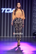 Sania-Maskatiya-collection-at-TDAP-Fashion-Show-Expo-Pakistan-2013-2