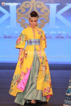 The-House-Of-Kamiar-Rokni-Pfdc-Loreal-paris-bridal-week-2013-240