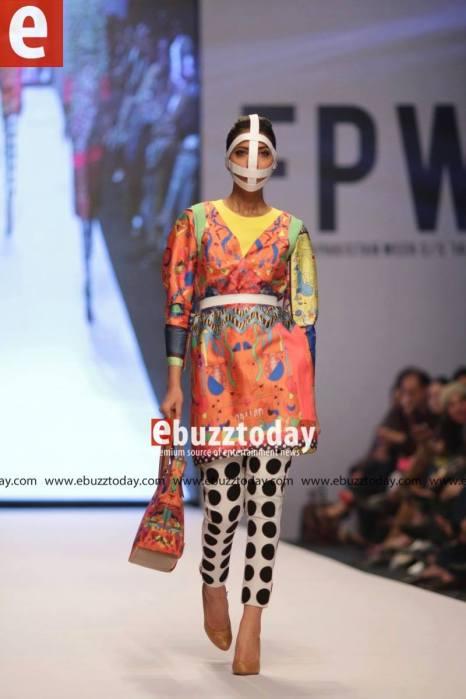 Tapu-Javeri-Fashion-Pakistan-Week-Season-6-fpw2014-ebuzztoday-118