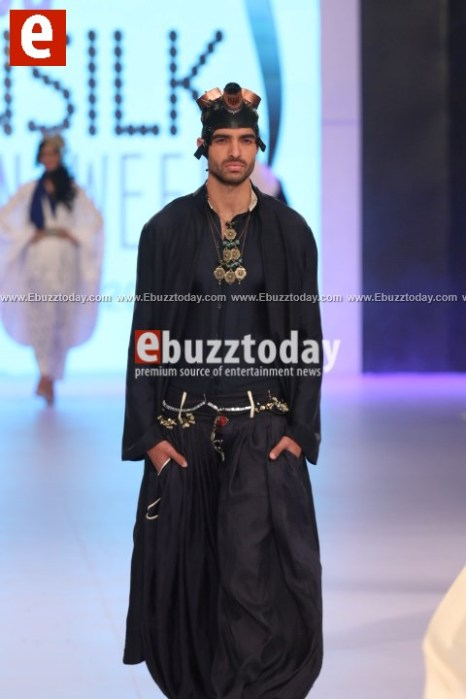 Arslan-Iqbal-PFDC-sunsilk-fashion-week-PSFW2014-ebuzztoday-101
