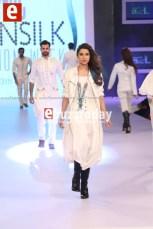 Arslan-Iqbal-PFDC-sunsilk-fashion-week-PSFW2014-ebuzztoday-52