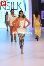 Sania-Maskatiya-pfdc-sunsilk-fashion-week-psfw2014-ebuzztoday-67